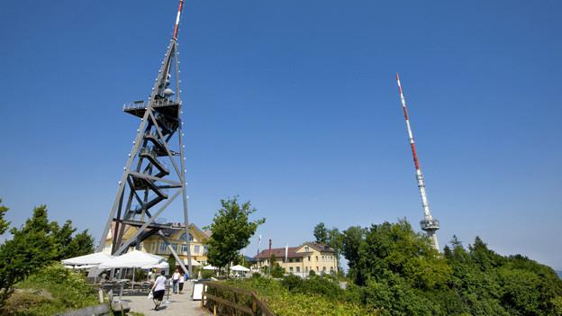 Blick auf den Uetliberg mit Turm
