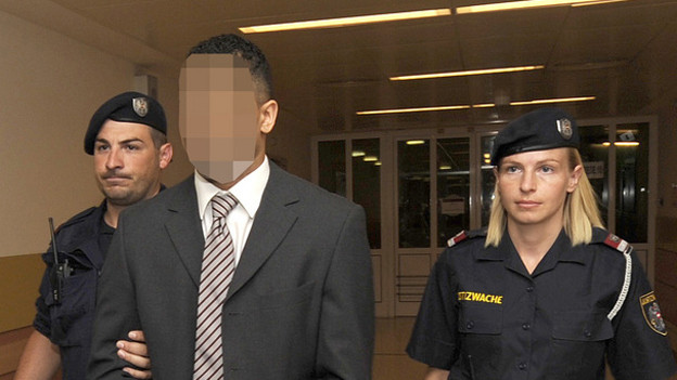 Der Zürcher Sprayer «Puber» vor der Gerichtsverhandlung am 23. Juli 2014.