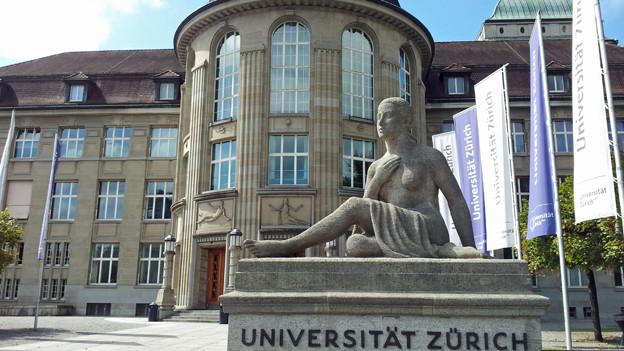 Der Haupteingang der Universität Zürich