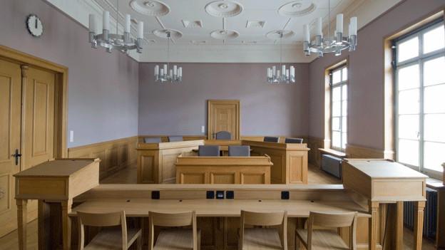 Blick in den sanierten, historischen Gerichtssaal von Bülach.