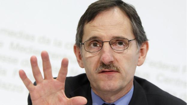 Zürcher Sicherheitsdirektor Mario Fehr will die Gemeinden entlasten.