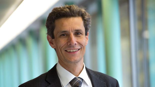 Der 52-jährige Jurist Peter Neukomm macht das Rennen ums Stadtpräsidium