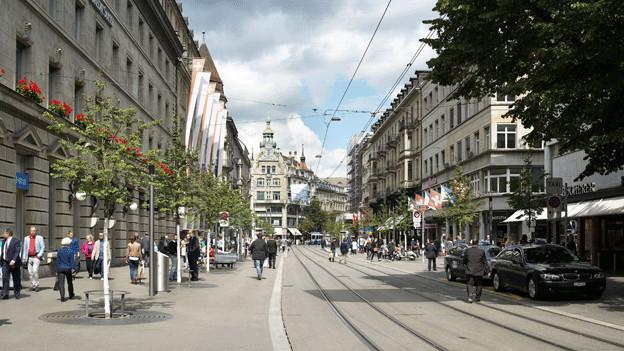 Blick auf die sanierte Zürcher Bahnhofstrasse.