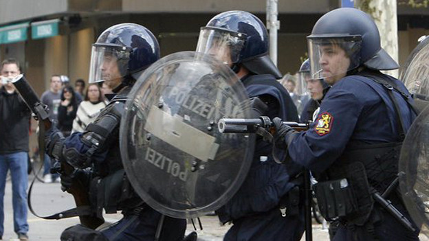 Noch einmal Thema: Löhne der Polizisten.