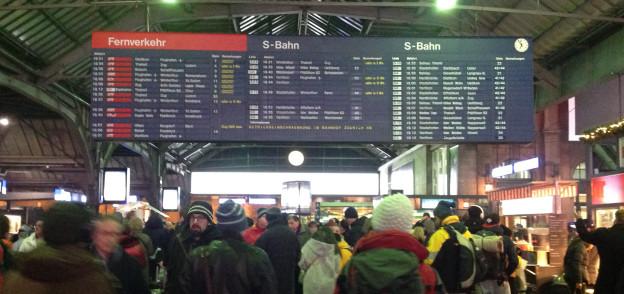 Viele Fahrgäste mussten wegen der Panne im Zürcher HB warten.