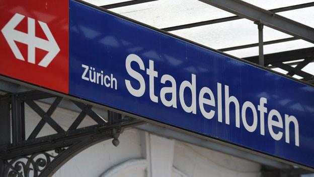 Schild Bahnhof Stadelhofen