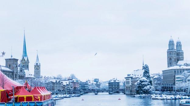 Blick auf die Limmat vom Zürichsee aus.