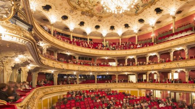 Auch das Opernhaus Zürich soll sparen, findet der Kantonsrat.