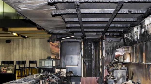 Vom Feuer zerstörte Bar im Zürcher Kino Houdini.