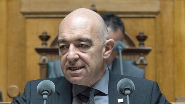 Daniel Jositsch am Rednerpult im Nationalrat