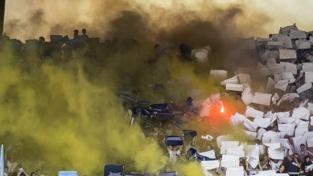 FCZ-Fans im Stadion: Das Aarauer Verbot lässt sie kalt.