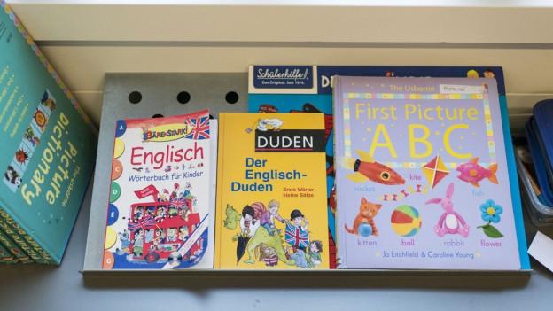 Schulbücher für das Frühenglisch in der Schule.