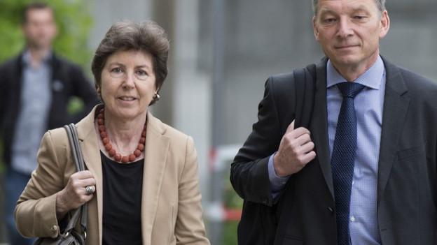 CVP-Nationalrätin Kathy Riklin auf dem Weg ins Gericht.