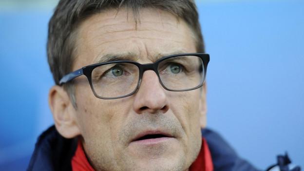 Spielen statt kritisieren soll seine Mannschaft, findet FCZ-Trainer Urs Meier.