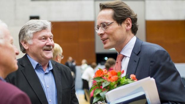 Roger Köppel (rechts) bleibt auf Platz 17, Hans Fehr (l.) auf Platz 4.