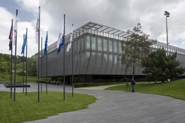 Dunkle Wolken über dem Hauptsitz der Fifa auf dem Zürichberg