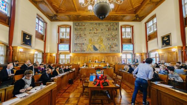 Blick in den Saal de Zürcher Rathauses