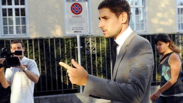 Carl Hirschmann: Teilerfolg vor Bundesgericht