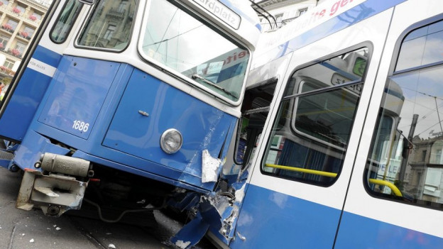 Weniger Tram- und Busunfälle in der Stadt Zürich.