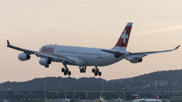 Ein startendes Swiss-Flugzeug.