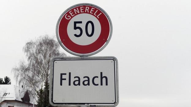 Ortstafel von Flaach