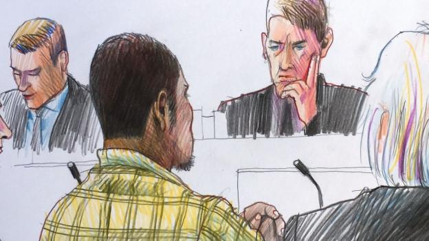 Zum ersten Mal sieht der ehemalige Jugendstraftäter den Saal eines Erwachsenengerichts von innen.