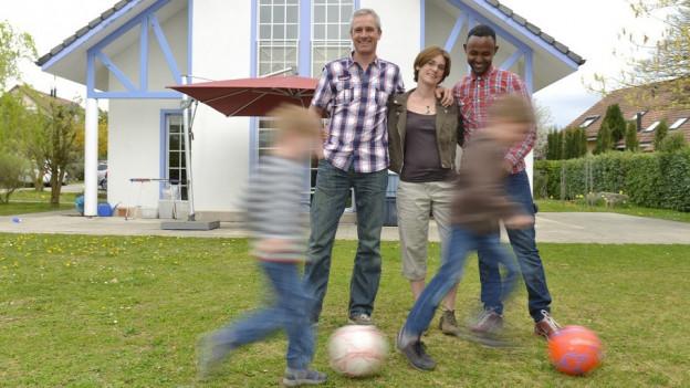 Asylbewerber lebt bei einer Familie