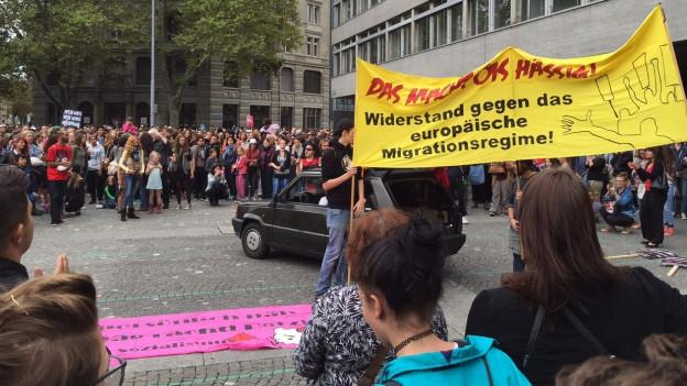 Die Kundgebung auf dem Helvetiaplatz war bewilligt.