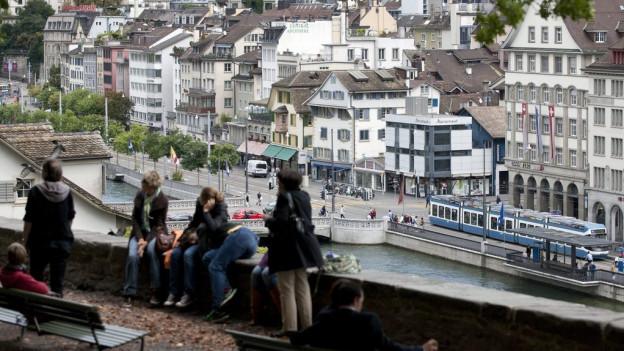 In der Zürcher Altstadt ist Wohneigentum besonders teuer.