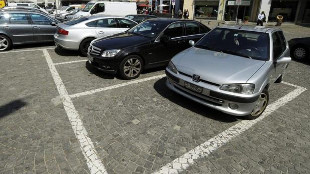 Wer keine Parkplätze braucht, muss keine bauen. Die Stadt Zürich beendet einen langjährigen politischen Streit.