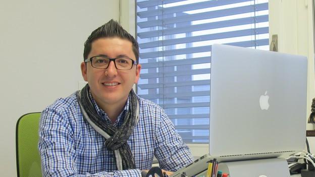 SP-Politiker Blerim Bunjaku in seinem Büro