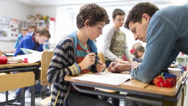 Die Zusatzlehrer sollen den Gemeinden bei Engpässen helfen.