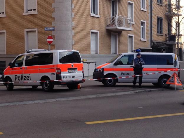 Abgesperrter Tatort in Zürich Wiedikon