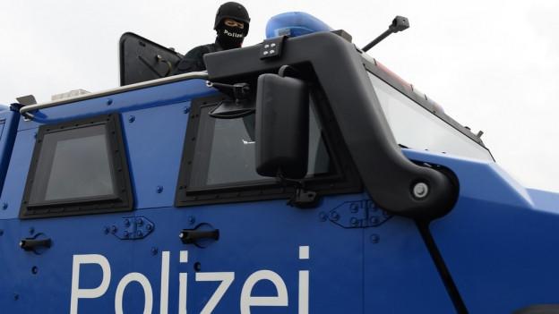 Kantonspolizei Zürich am Flughafen Zürich