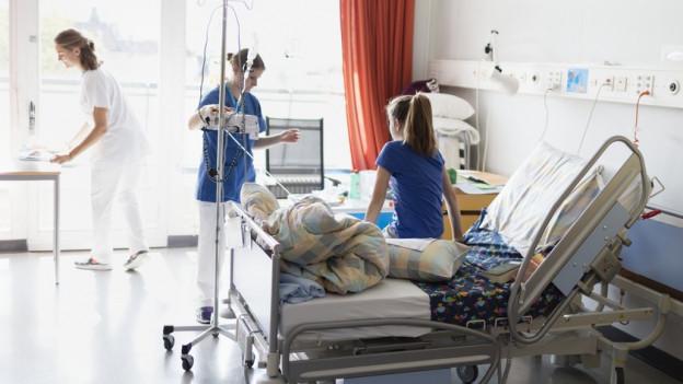 Sparen im Spital: Kanton Zürich will Rotstift ansetzen.