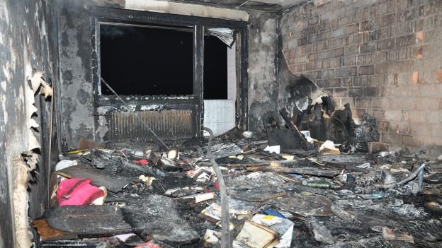 Völlig ausgebrannt: Vom Inventar der Wohnungen ist nicht mehr viel übrig.