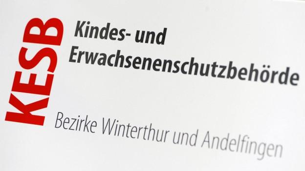 Das Schild der KESB Winterthur Andelfingen.