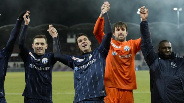 Die FCZ-Spieler freuen sich über den Finaleinzug.