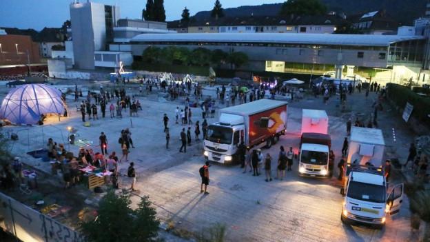 Die Kosten für den Polizeieinsatz nach der unbewilligten Party auf dem Binz-Areal übernimmt die öffentliche Hand.