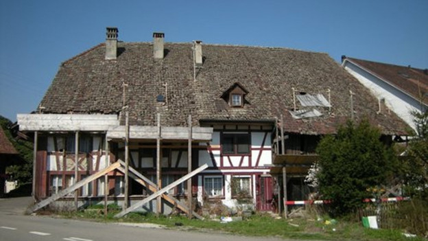 Ein altes Bauernhaus.