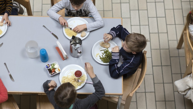 In der Schule essen statt Zuhause: Dies ist ein wichtiger Aspekt von Tagesschulen.