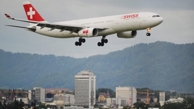 Swiss-Airbus beim Südanflug.