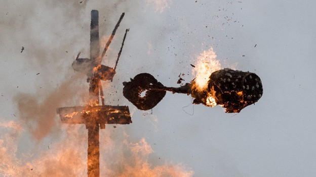 Der Böög explodiert am Sechseläuten 2016