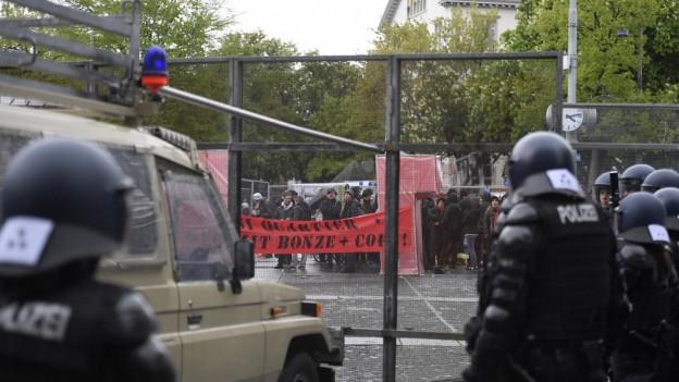 Zürcher Polizei verhindert 1.Mai-Nachdemo.