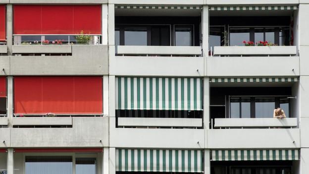 Fssade eines modernen Mehrfamilienhauses