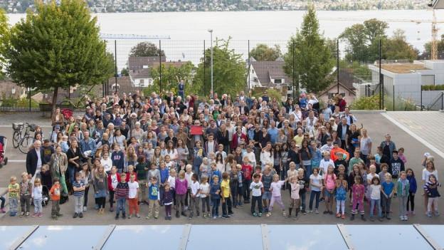 Ein Unterstützungskomitee mit über 2000 Mitglieder setzte sich für den Verbleib der Familie in Kilchberg ein.