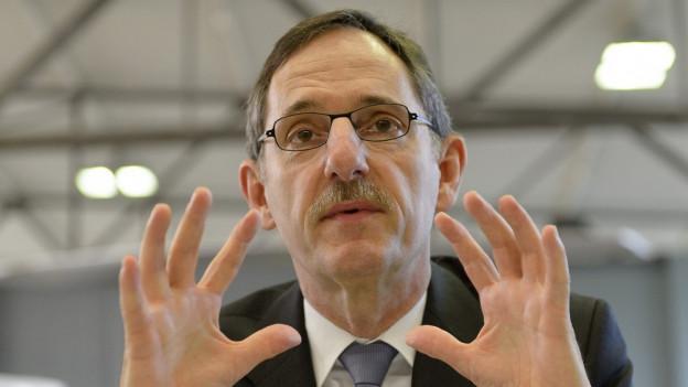 Sicherheitsdirektor Mario Fehr möchte keine ganz verschleierten Frauen mehr in Zürich.