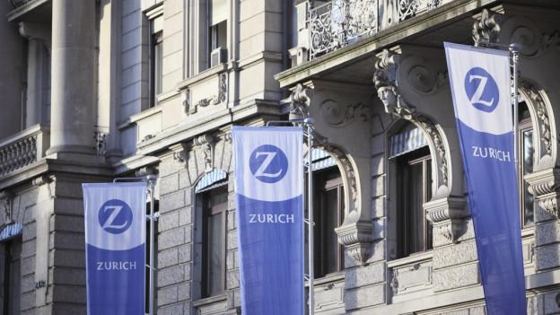 Das Logo der «Zurich» vor dem Hauptsitz.