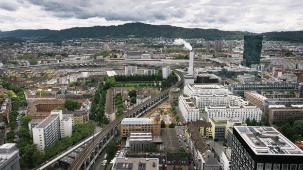 Blick auf das Industriequartier von Zürich.