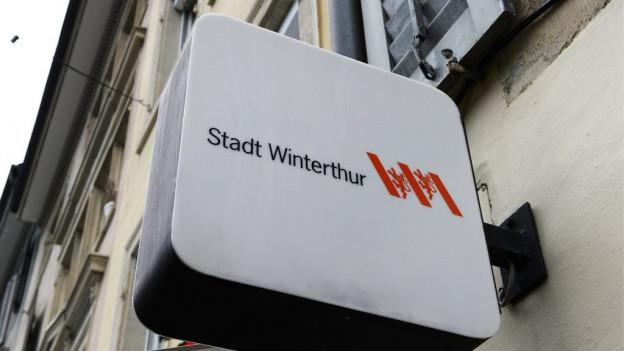 Ein Schild mit der Aufschrift «Stadt Winterthur»